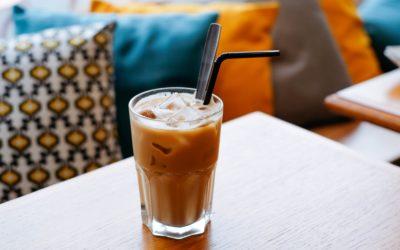 Mrożona kawa krówkowa z morelą